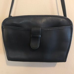 Coach vintage Brighton crossbody bag black leather
